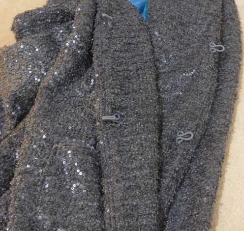 pic-4-grey-jacket-inside-hooks